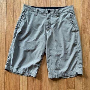 Tan quicksilver golf shorts